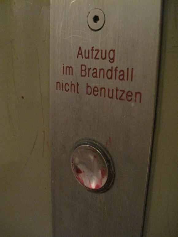 Hallo Dr. Sommer!!! Kann ich vom Aufzugfahren AIDS bekommen? Quelle: Sash