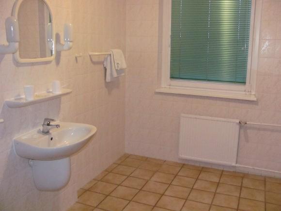 Hall im Bad ist nicht immer lustig... Quelle: Sash