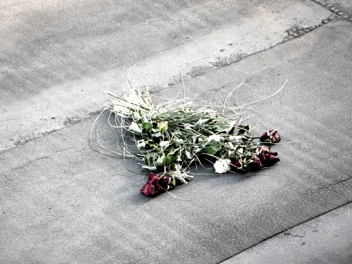 Bei uns in Marzahn regnet's rote Rosen! Quelle: Sash