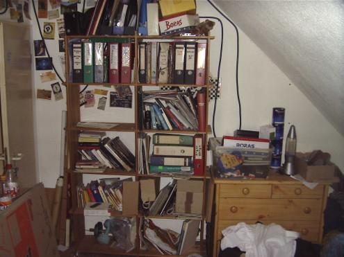 Liebevolle Ordnung in meinem Zimmer 2005, Quelle: Sash